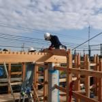 K様邸新築工事(66)建て方・地棟梁と天秤板の詳細へ